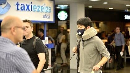 Se extremaron las prevenciones en el aeropuerto de Ezeiza (Foto: Gustavo Gavotti)