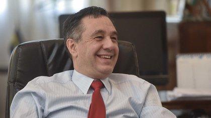 """Alejandro Finocchiaro abrió el diálogo con Manes a través de una cita de """"El cerebro argentino"""", libro firmado por el neurocientista"""