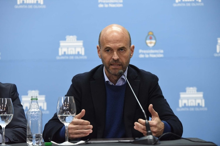 El ministro de Transporte Guillermo Dietrich dijo que el Gobierno sigue de cerca la crisis petrolera mundial (foto Franco Fafasuli)