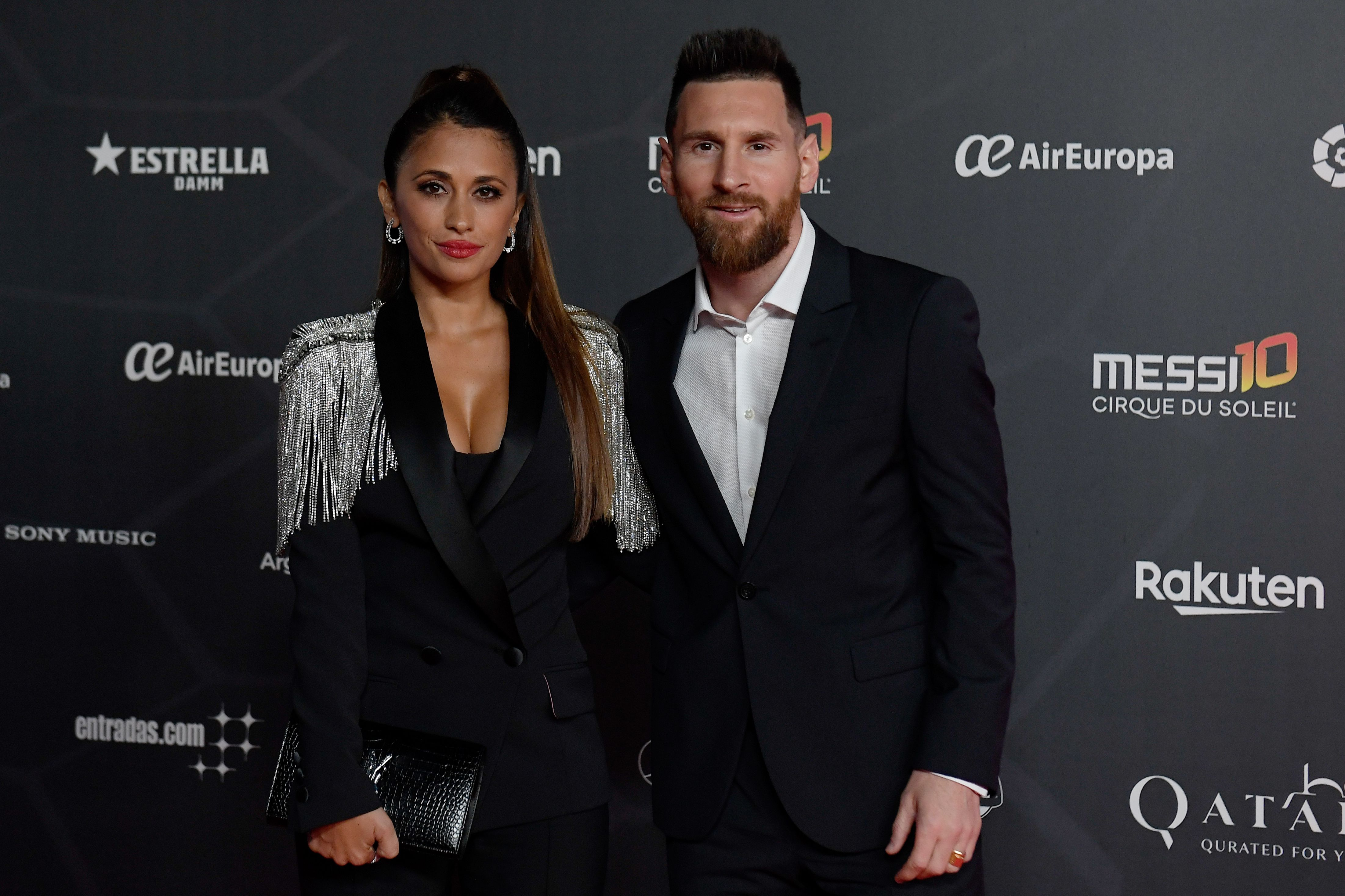 Messi y Antonela durante la inauguración del evento dedicado a Leo (Foto: AFP)