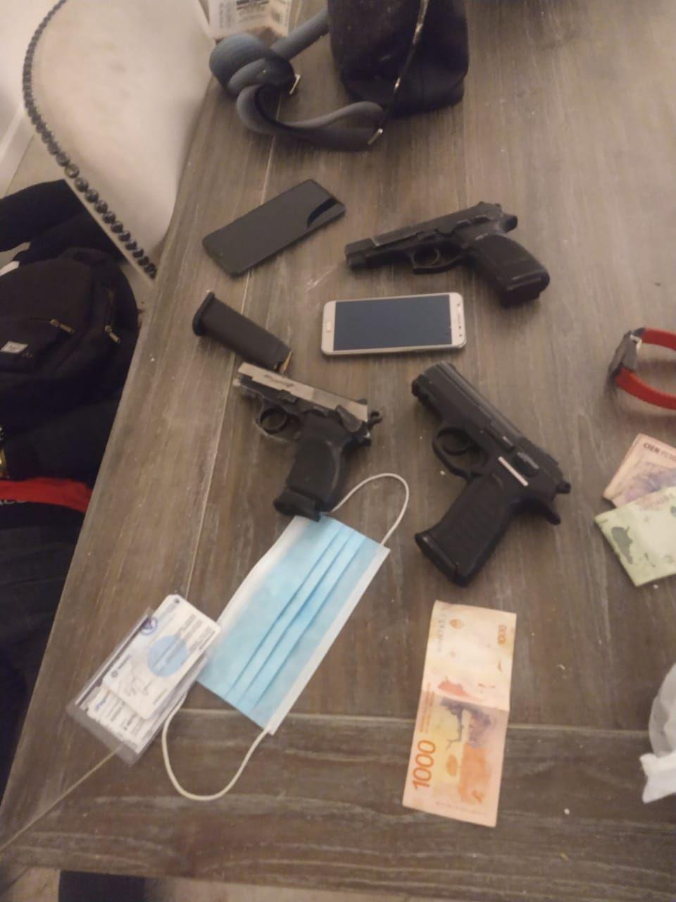 Cuatro delincuentes concretaron una entradera, se tirotearon con la Policía y terminaron detenidos