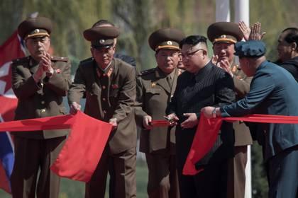 Kim Jong-un inaugura un complejo de viviendas en Pyongyang (AFP)