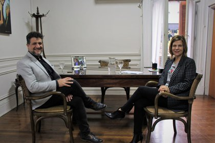 Florencia Saintout junto al ex juez de La Plata, Luis Arias. (Twitter: @fsaintout)