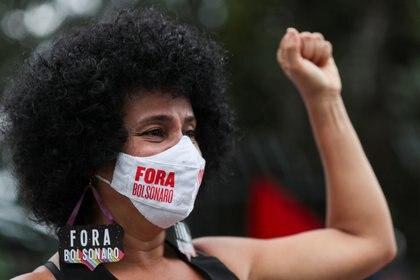 Una mujer en la manifestación contra Jair Bolsonaro en Sao Paulo, Brasil. REUTERS/Amanda Perobelli