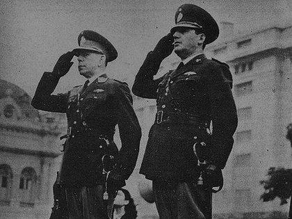 1945: Edelmiro Farrell junto a Juan Domingo Perón, el gobierno le declara la guerra al EJe