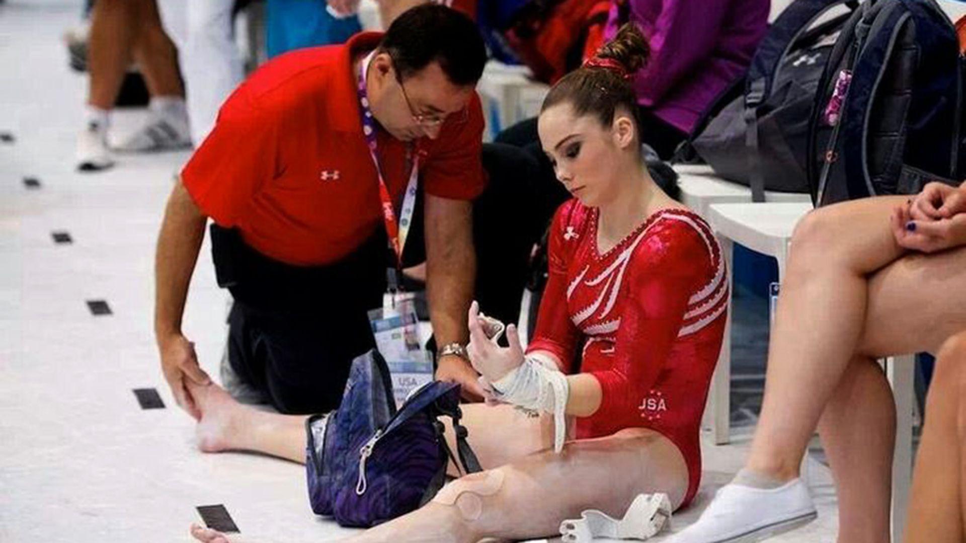 Larry Nassar fue el médico del equipo olímpico estadounidense de gimnasia durante dos décadas