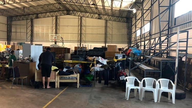 Uno de los centros que reciben evacuados en Uruguay (@EjercitoUy)