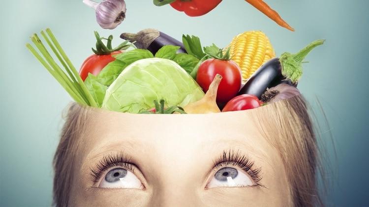 El menú pensado para potenciar el cerebro también incluye frutas y verduras (Shutterstock)