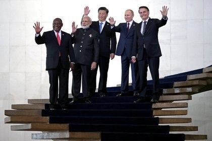 Los presidentes de los BRICS en las escaleras centrales del Palacio de Itamaraty, la cancillería brasileña. (Reuters)