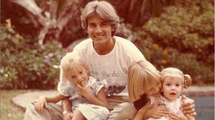 Sergio Denis y sus tres hijos Bárbara, Victoria y Federico (Foto: Instagram @barby_hoffmann)