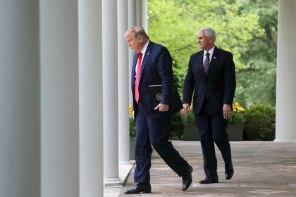 El presidente de Estados Unidos, Donald Trump, junto con el vicepresidente Mike Pence en la Casa Blanca (Reuters/ Leah Millis)