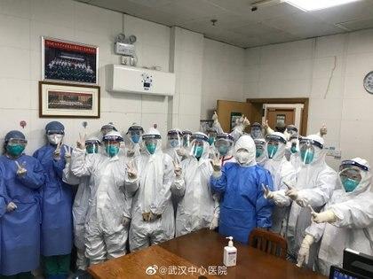 Personal médico del Hospital Central de Wuhan