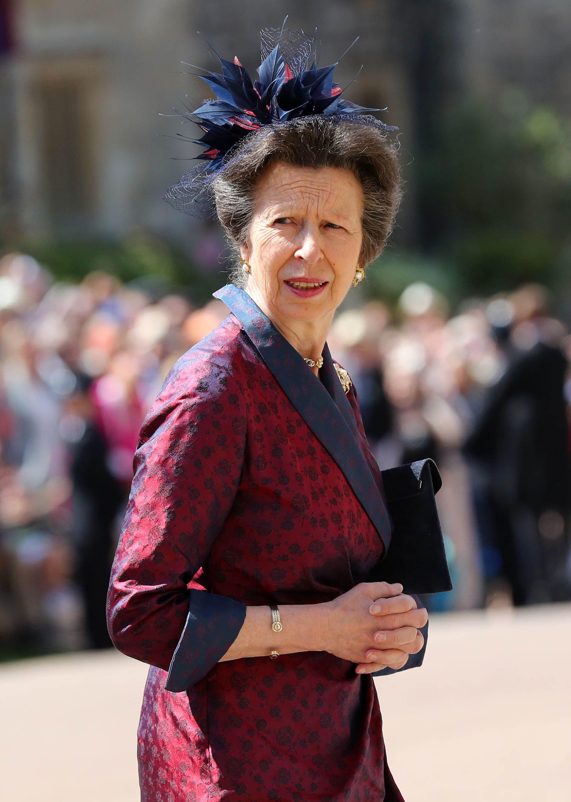 La princesaAna en tonos bordeaux (AFP)
