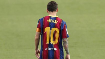 Messi, capitán de este Barcelona de paso oscilante en el inicio de la gestión de Ronald Koeman (Reuters/ Albert Gea)