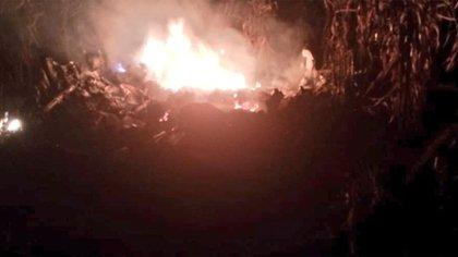 Radares detectaron que el jet ingresó a Guatemala alrededor de las 20:00 horas y, media hora después, mientras volaba sobre Alta Verapaz, se estrelló mientras realizaba maniobras para aterrizar en una pista clandestina cerca de la comunidad Santa Marta Salinas (Foto: Twitter@SamChun_informa)