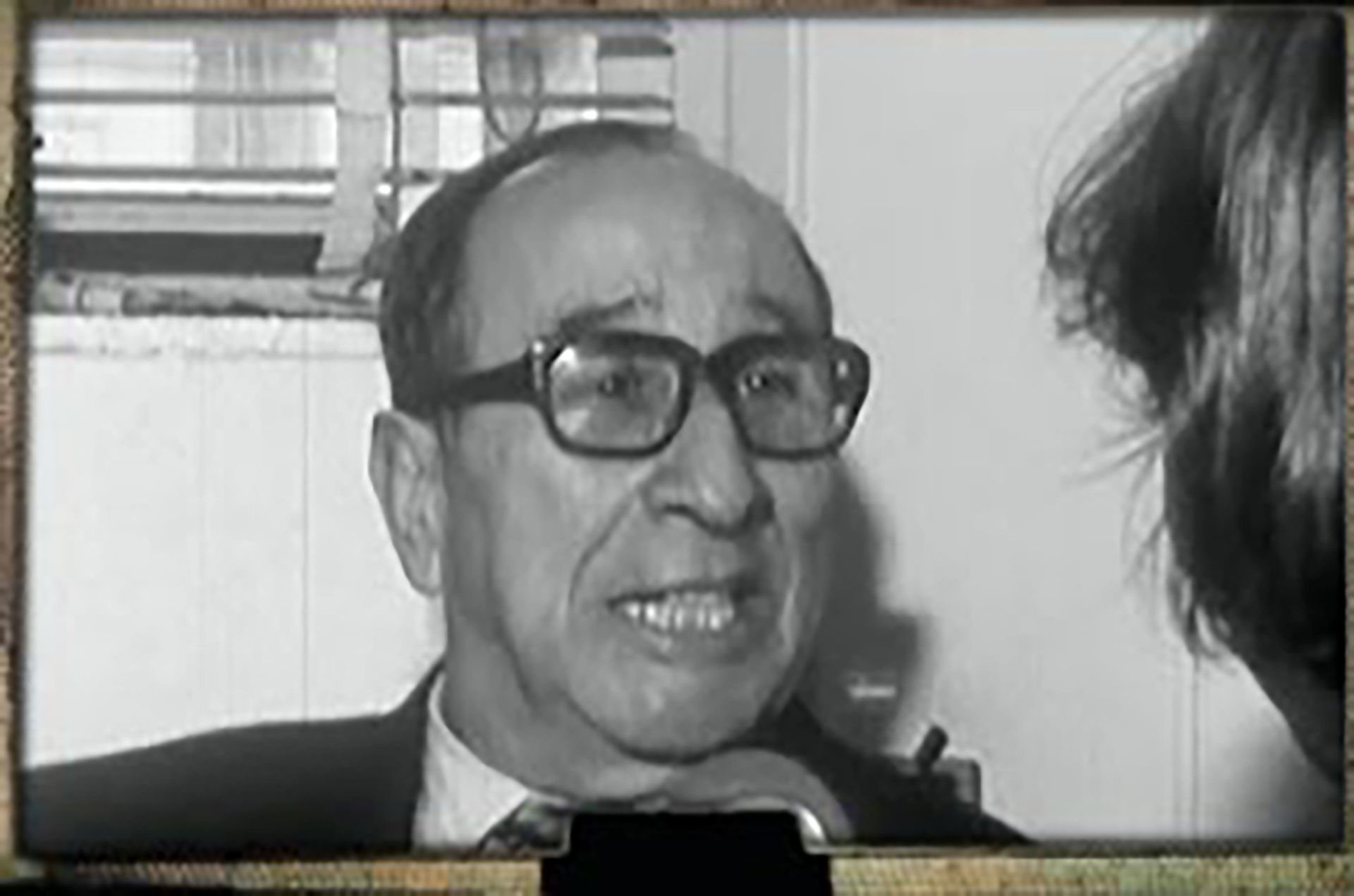 Miguel Paulino Tato, al frente del Ente de Calificación Cinematográfica (ocupó ese cargo desde 1974 hasta 1980: uno de los pocos funcionarios del gobierno peronista que continuó con el Proceso), se encargaba de decir qué se podía ver y qué no. Pero ese no era el único filtro