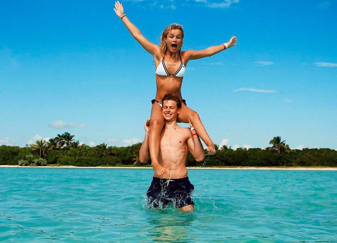 Frenkie De Jong y su novia Mikky Kiemeney