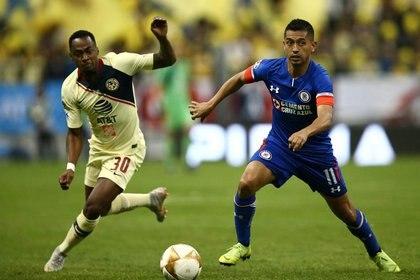 """En 2018 fue la más reciente final que jugaron los rivales del """"Clásico Joven"""" (Foto: REUTERS/Edgard Garrido)"""