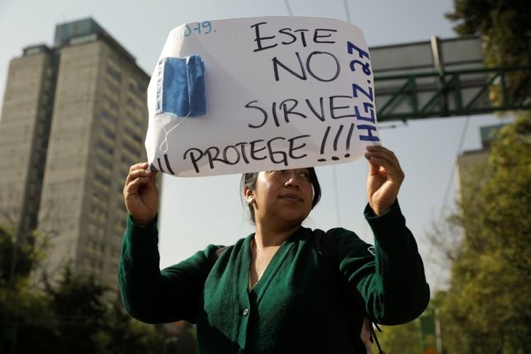 Protesta en México del personal sanitario para recibir adecuados insumos de protección (Reuters)