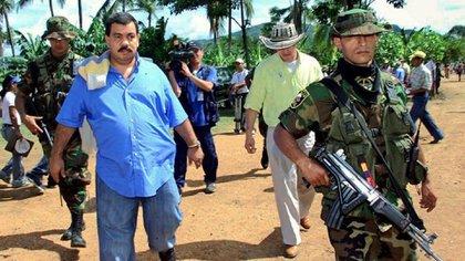 """""""Don Berna"""" fue comandante de los bloques Cacique Nutibara y Héroes de Granada de las Autodefensas Unidas de Colombia (AUC), que hacían presencia en Medellín"""