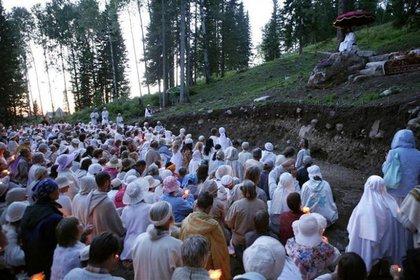 Vissarion durante una ceremonia en Morada del amanecer