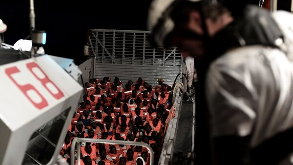 Entre la tripulación hay siete mujeres embarazadas (Reuters)