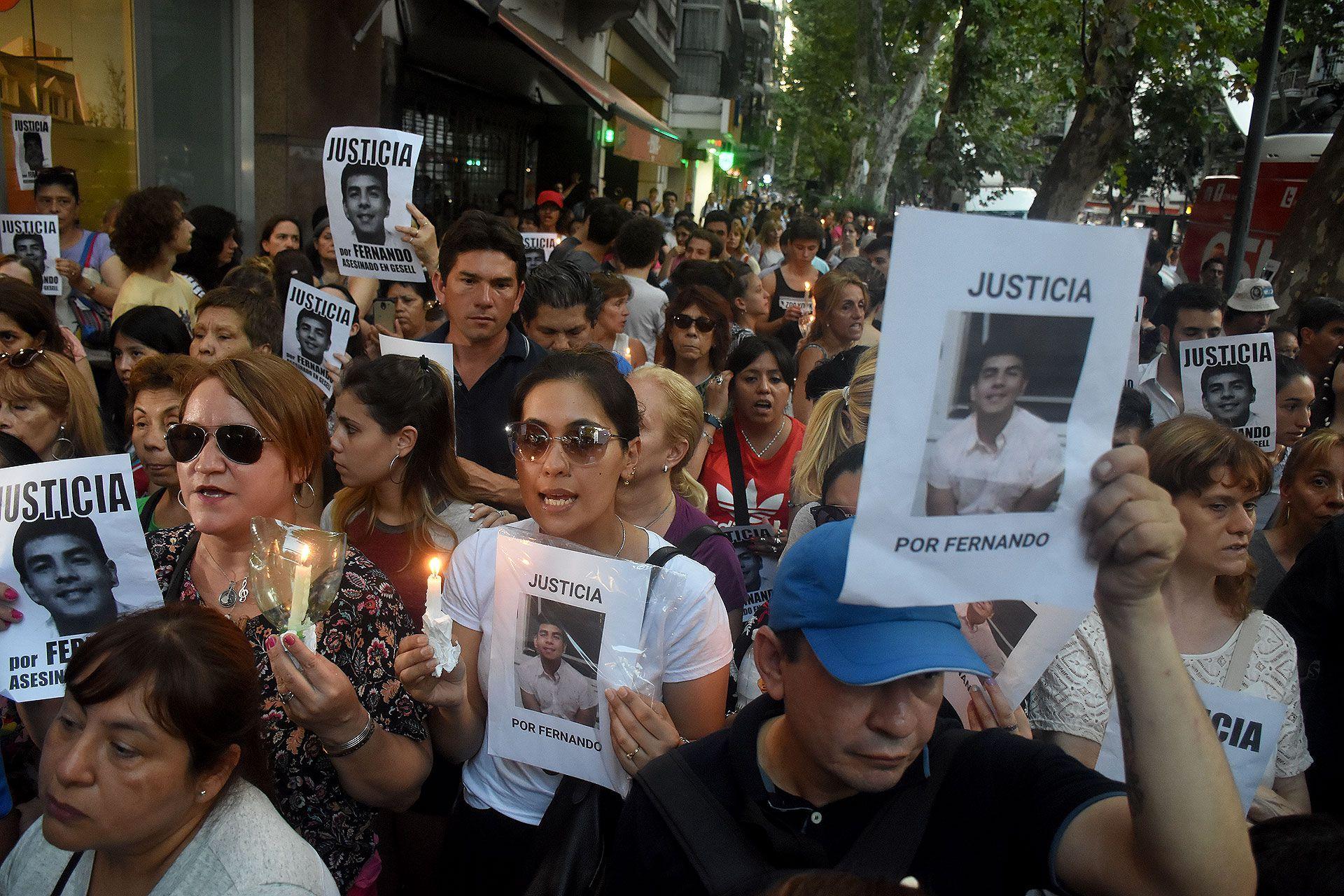 Marzo pasado en Caballito: marcha por el crimen de Fernando Báez Sosa, en apoyo a sus padres.