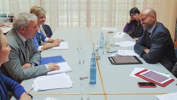 El ministro Guillermo Dietrich y el viceministro ruso Alexander Yurchik