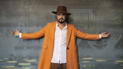 Photograph provided today by Sony Music in which Argentine singer-songwriter Abel Pintos is seen posing.  EFE / Sony Music