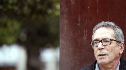 """César Aira: """"De cada tres novelas que empiezo termino una"""""""