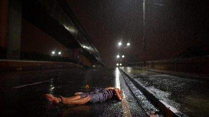 En México cuatro niños y adolescentes mueren al día a causa de la violencia, más de los que son víctimas de la guerra en países del medio oriente, alertó la organización Save the Children (Foto: Archivo)