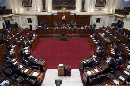 Congreso aprueba retiro de hasta 17600 soles de fondos de las AFP