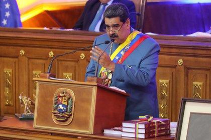 Le président du Venezuela, Nicolás Maduro, a été inscrit ce mardi, alors qu'il a prononcé un discours devant le Parlement, à Caracas (Venezuela).  EFE / Miguel Gutiérrez