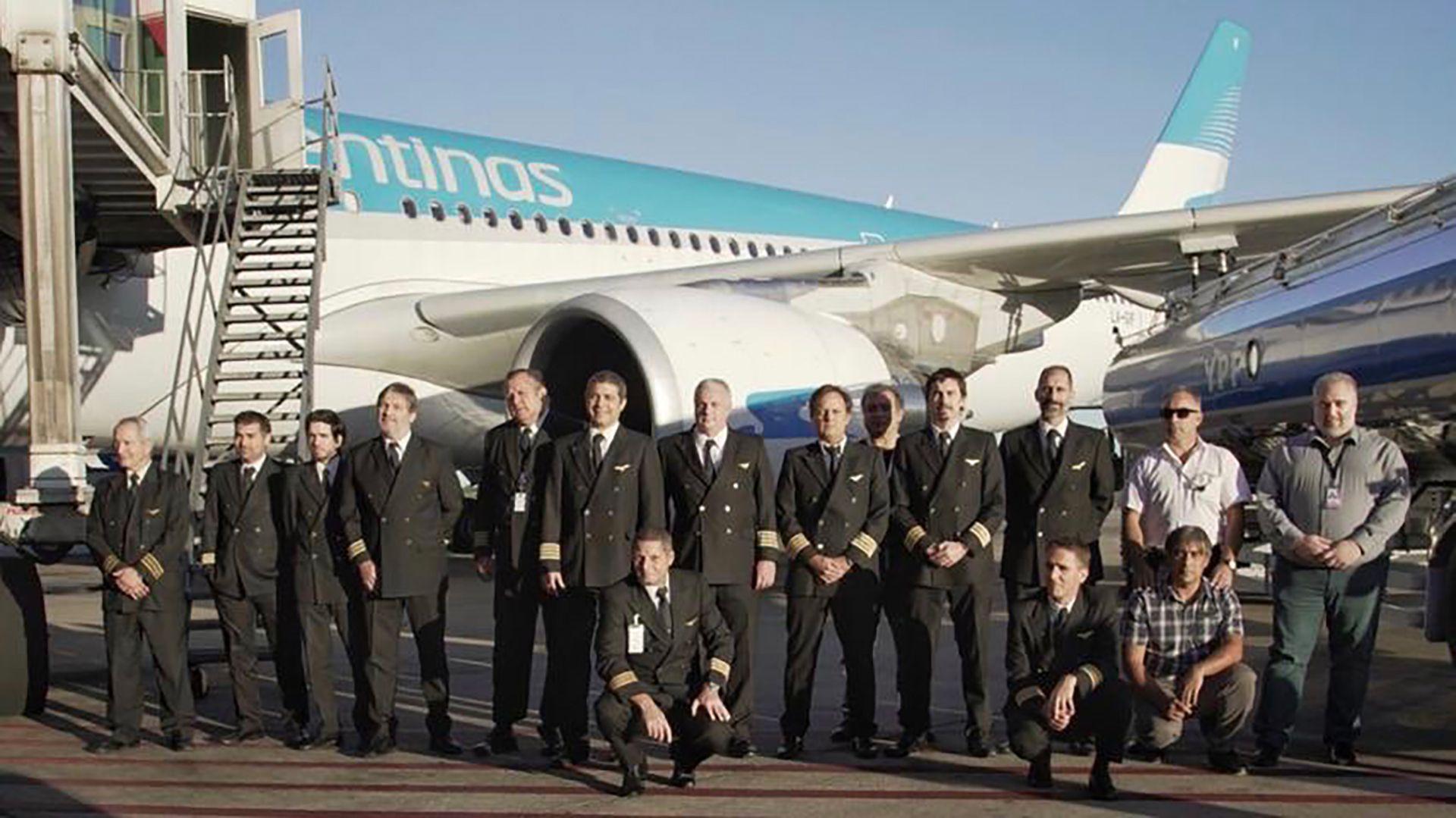 el primer vuelo de Aerolineas Argentinas a China trajo 100 toneladas de insumos sanitarios pero ningun respirador