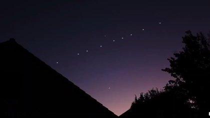 """En febrero de este año, se pudo ver el """"tren de satélites"""" de Starlink, por ejemplo, desde algunos puntos de la provincia de Mendoza en la Argentina"""