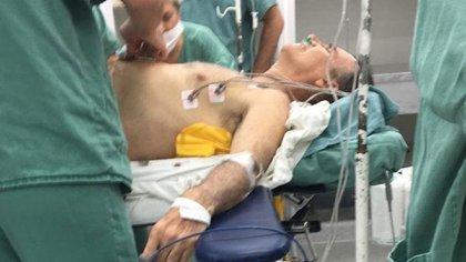 Bolsonaro atendido en el hospital