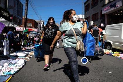 La sociedad está cansada de tanto gobierno y tan pobres resultados (EFE/Juan Ignacio Roncoroni)