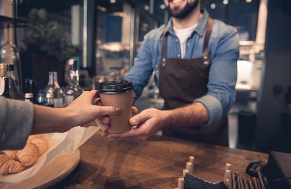 Una sola taza de café puede contener riboflavina (vitamina B2), ácido pantoténico (vitamina B5), manganeso, potasio, magnesio y niacina (vitamina B3) (Getty Images)