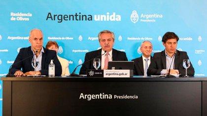 El presidente Alberto Fernández confirmó que se reunirá con su ministro de Economía al anunciar la extensión de la cuarentena