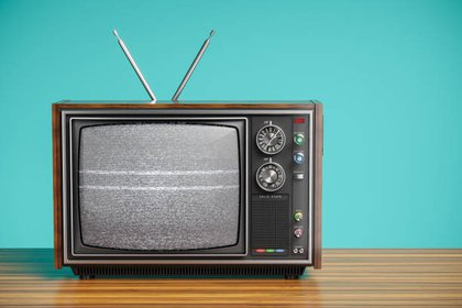 En la ciudad del Reino Unido, a las 7 de la mañana, todos los días, un residente encendía su vieja televisión, lo que hacía que la banda ancha fuera ineficaz para todos los residentes