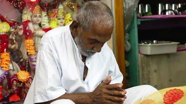 """""""Sólo quiero que la gente sea feliz, sana y pacífica"""", predica Swami Sivananda, de 123 años de edad. (The Grosby Group)"""