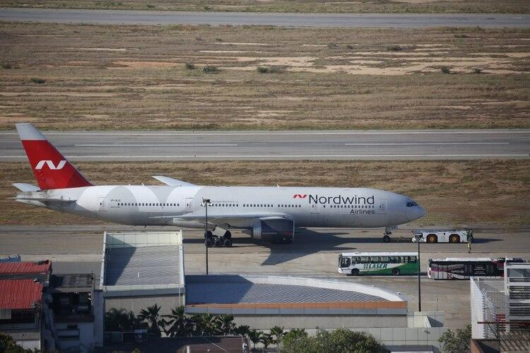 La llegada del vuelo VP-BJG estuvo envuelta en especulaciones y misterios (Reuters)