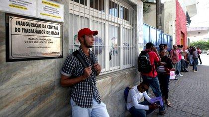 El desempleo volvió a caer en Brasil: fue de 11,8% en el último trimestre  de 2017 - Infobae