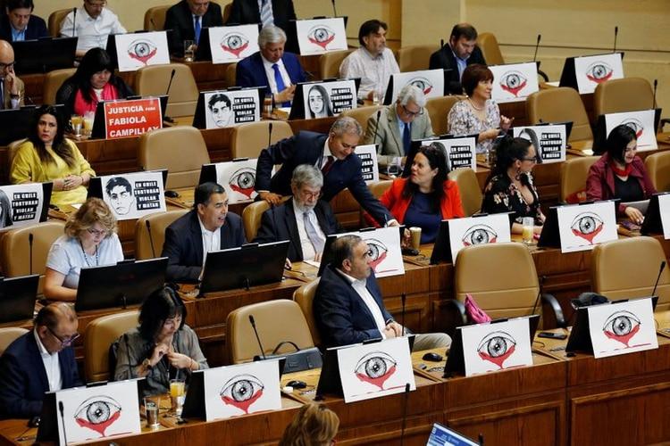 Diputados opositores durante el debate de la acusación constitucional contra el presidente Sebastián Piñera en el Congreso de Chile en Valparaíso el 12 diciembre 2019 (REUTERS/Rodrigo Garrido)
