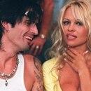 El músico Tommy Lee y la actriz Pamela Anderson se casaron en 1995 (AP)