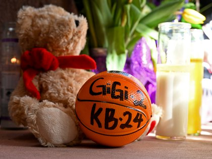 Los homenajes a Kobe Bryant y a su hija Gianna (USA TODAY Sports)