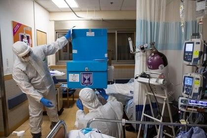 Actualmente Israel registra menos de 300 personas en estado grave por coronavirus (REUTERS/Nir Elias)