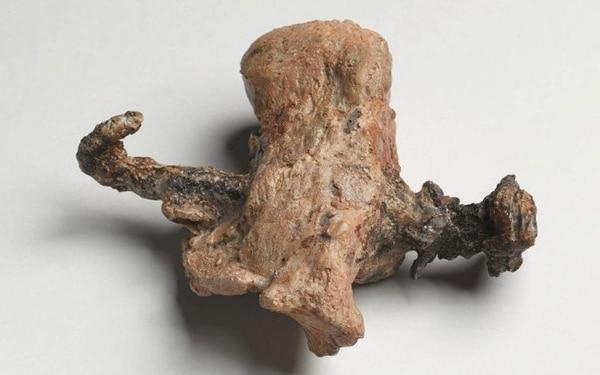 Este talón con un clavo atravesado fue la primera y única prueba de una crucifixión hallada en 1968, hasta ahora (Cortesía del Museo de Israel/ Ilan Shtulman)