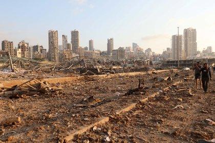 Algunos de los silos de trigo en el puerto fueron destruidos (Reuters/ Mohamed Azakir)
