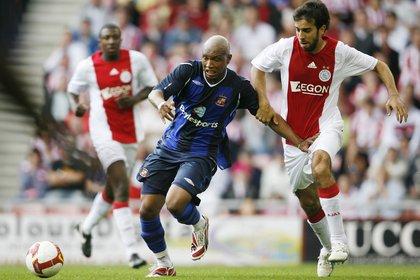 Oleguer se retiró del fútbol profesional a los 31 años, jugando para el Ajax (Shutterstock)
